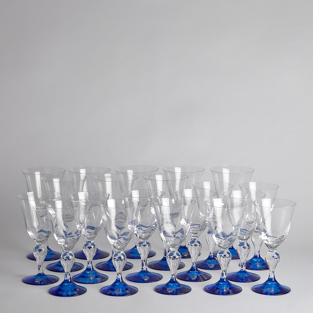 "Orrefors - SÅLD ""Alice"" Vitvinsglas 12 st Rödvinsglas 8 st"