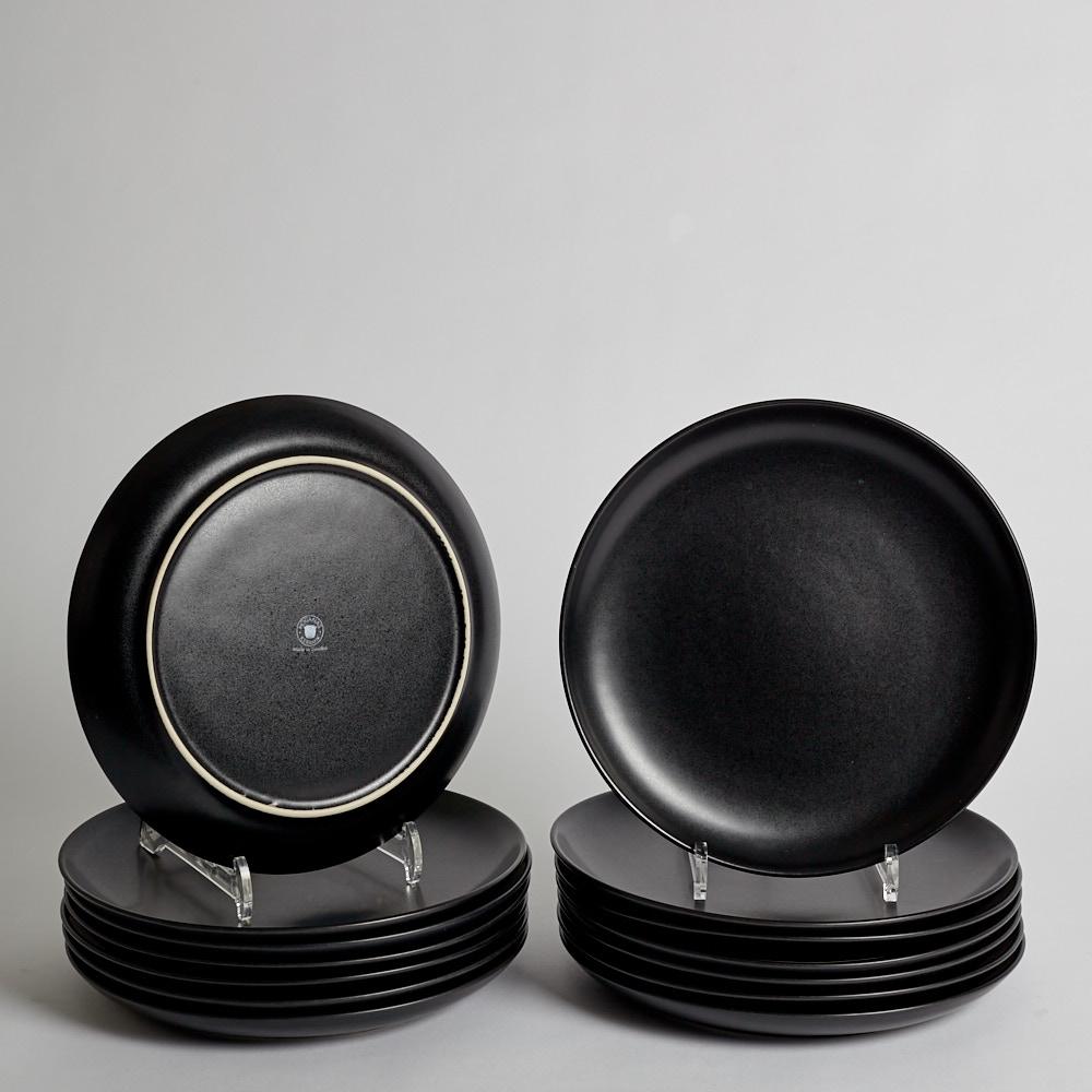 Höganäs Keramik - SÅLD Tallrikar Svarta 14 st